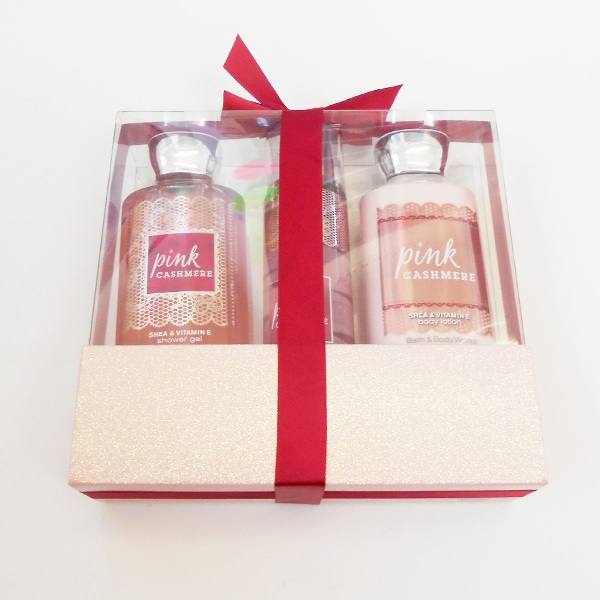 Pink Cashmere Wrapped With A Bow Gift Set